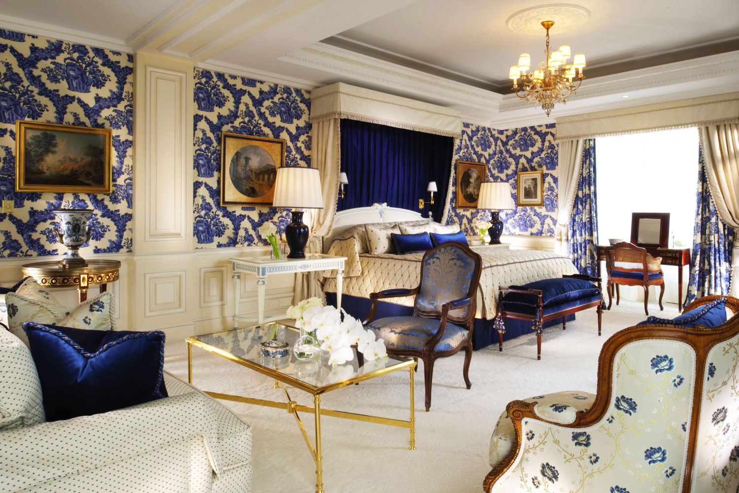 45 four seasons george v paris france international for Hotel luxury world