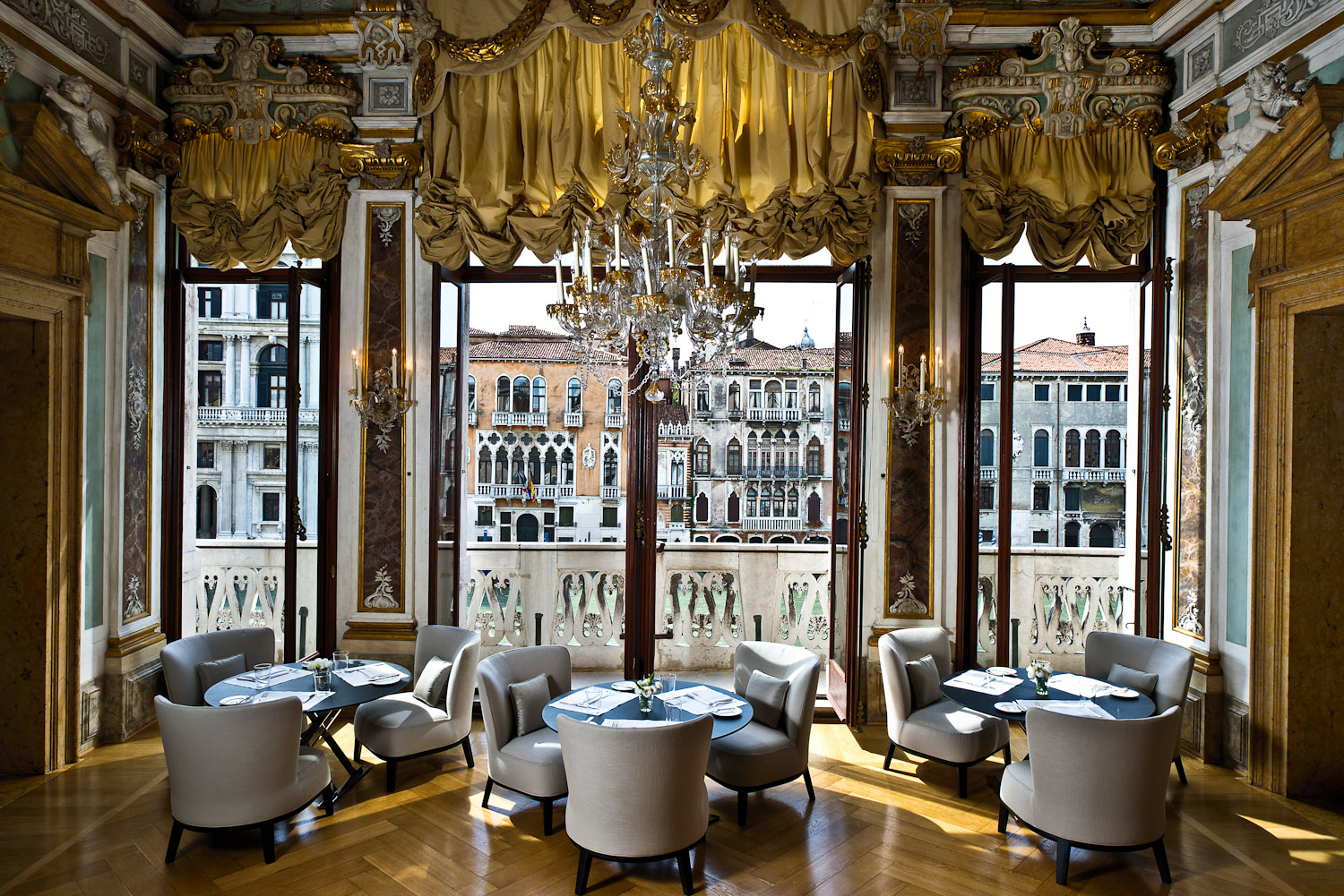 77 aman canal grande venice italy international for Design hotel venise