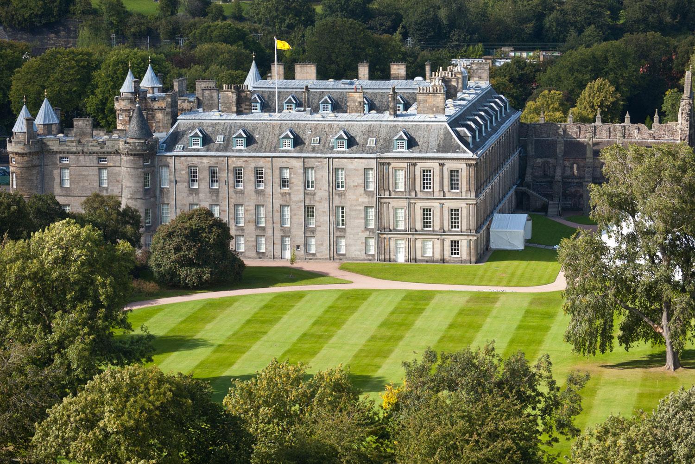5 Grandest Royal Residences Of Great Britain International Traveller