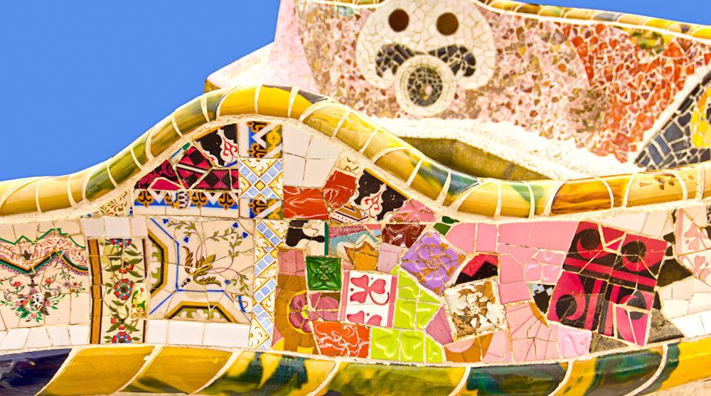 souvenirs catalan tiles barcelona park Güell