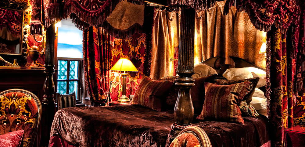 A suite at Hotel Witchery, Edinburgh Fringe Festival