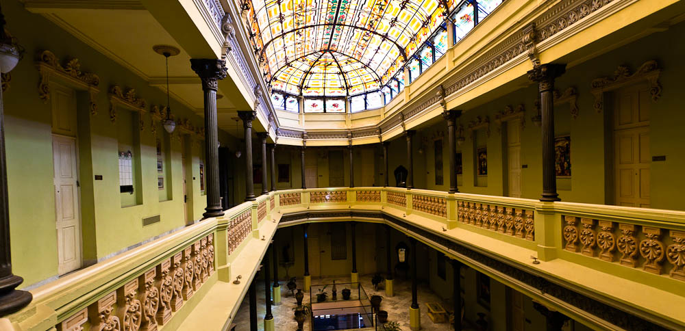 Nigel compared Hotel Raquel with Sydney's QVB building - well, sort of.