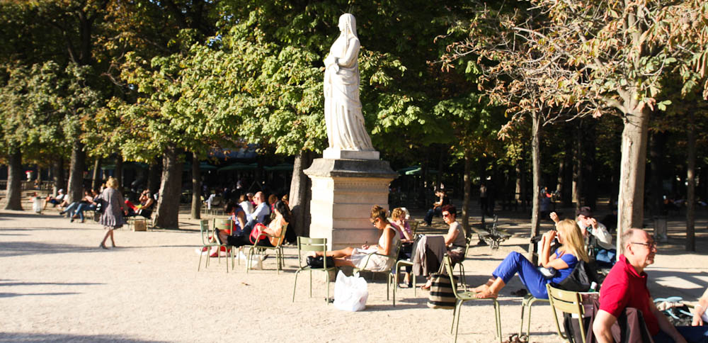 Ahh Parisian park life: Luxemberg Gardens.