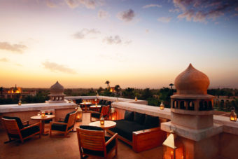 The No Mad Bar with panoramic views of the Moroccan Atlas Mountains.