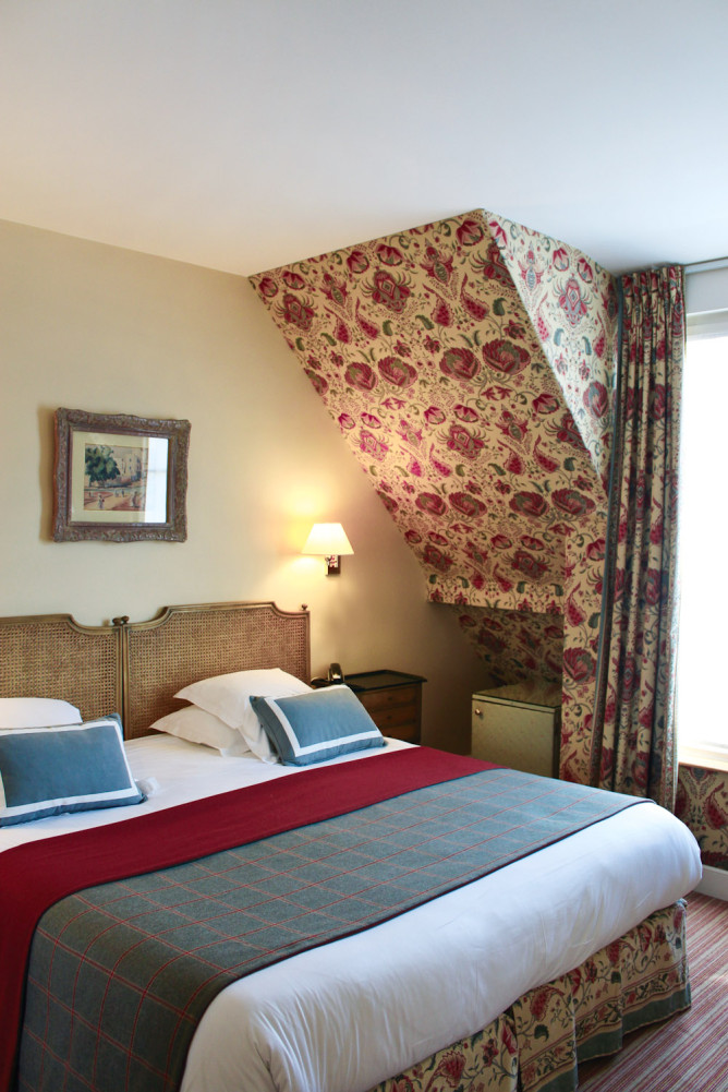 Four-person room at Le Relais Madeleine.