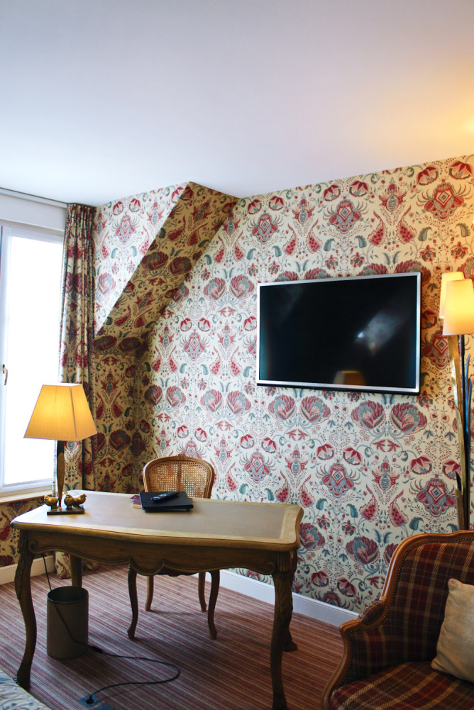 The study at Le Relais Madeleine.