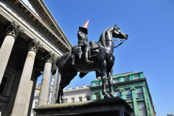 Duke of Wellington statue sporting a traffic cone.