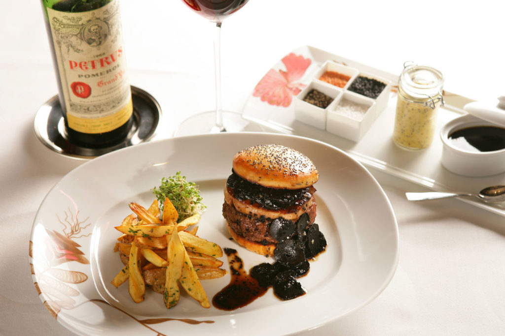The US$5000 FleurBurger at Fleur by Hubert Keller in Las Vegas.