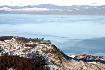 Arakur Ushuaia Resort & Spa has uninterrupted views of ski resort town Ushuaia, the Beagle Channel, breathtaking valleys, glaciers and the Cortes, Olivia and Cinco Hermanos mountains.