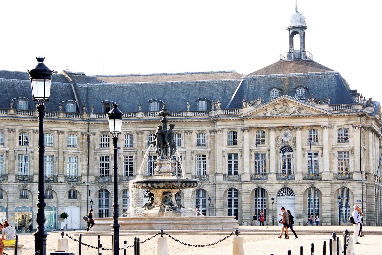The Three Graces Fountain in front of La Place de la Bourse, Bordeaux.
