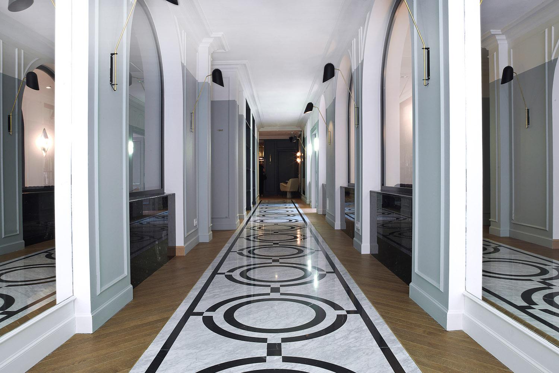 HotelBachaumont's strikingArt Deco entrance.