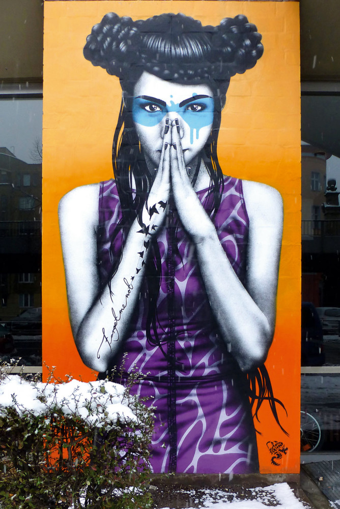 'Forget Me Not' mural by Fin DAC in Berlin, Germany.