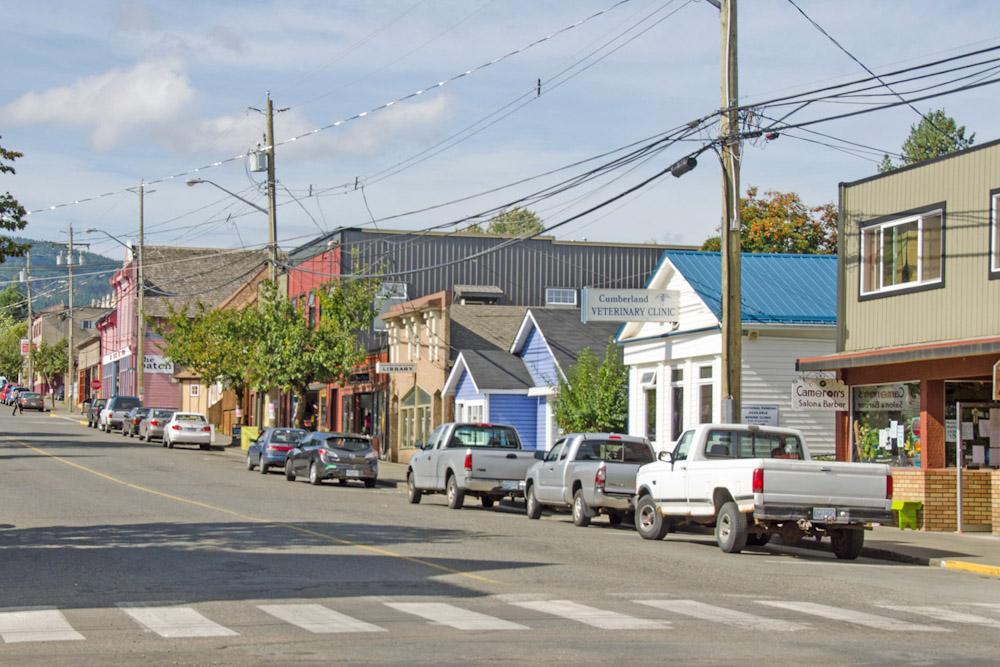 Van Isle British Columbia Canada Foodie Food eat and drink holidays cumberland shops street