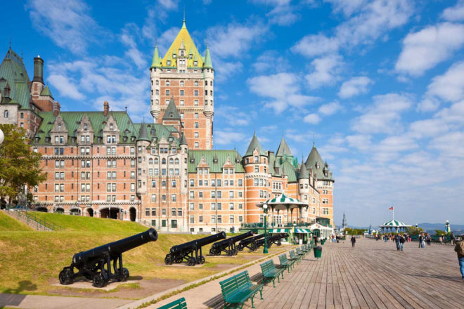 Canada attractions Quebec city Terrasse Dufferin Chateau Frontenac lawrence river