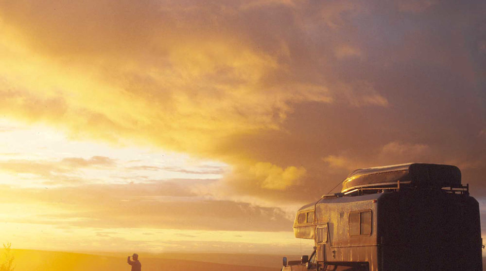 Rv Yukon drive holidays canada attractions midnight sun midsummer