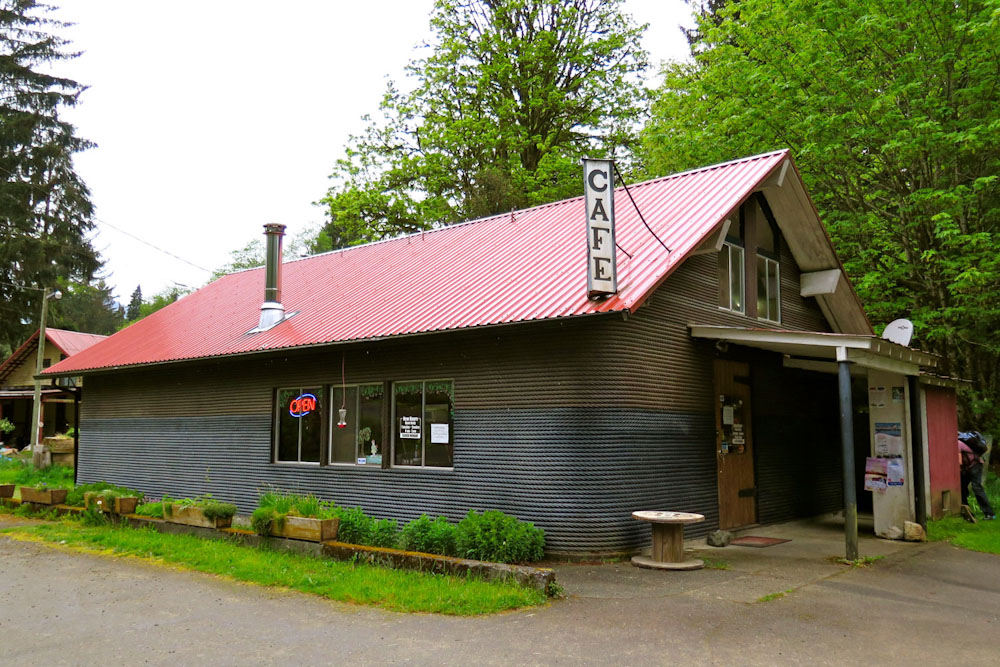 Van Isle British Columbia Canada Foodie Food eat and drink holidays vancouver island cablecook house sayward