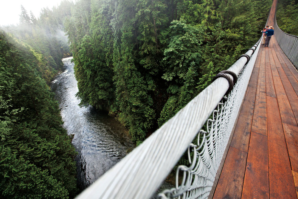 Canada Vancouver holidays rainforest capilano suspension bridge