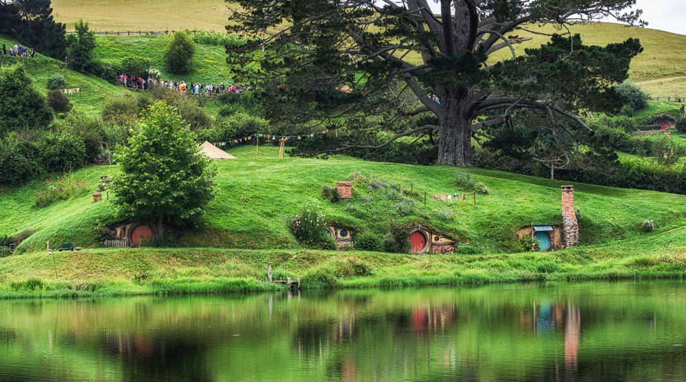 Hobbiton movie set New Zealand