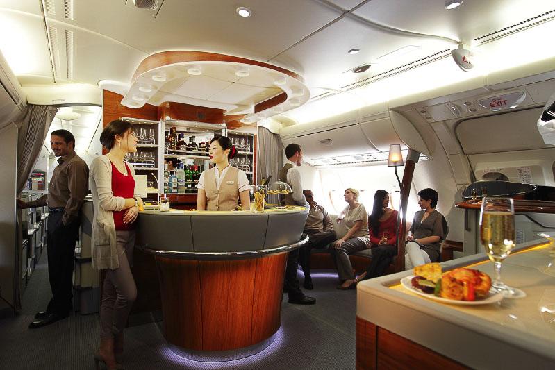 The bar Emirates A380 business class