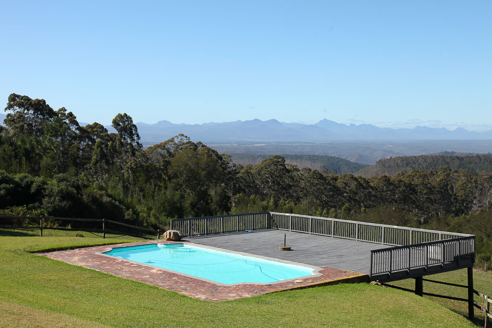 International Traveller Surprising Garden Route Stays Thatll - House cape town amazing infinity pool