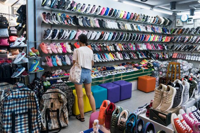 clothes designer fashion accessories fakes shopping bangkok thailand