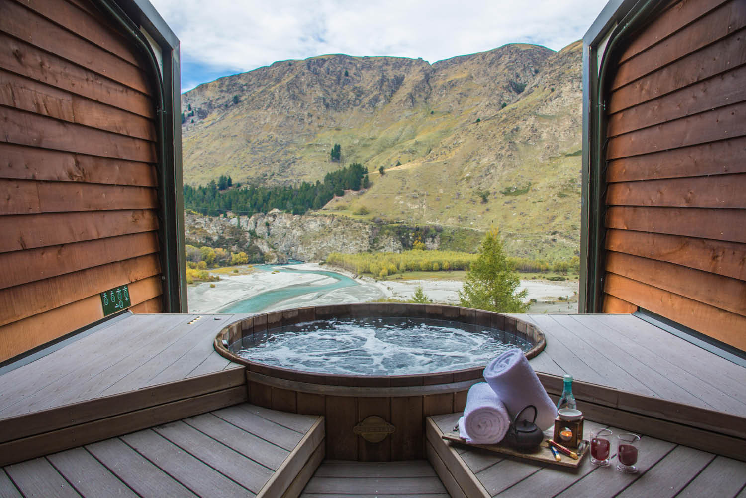 A look inside THOSE picturesque New Zealand Onsen hot tubs