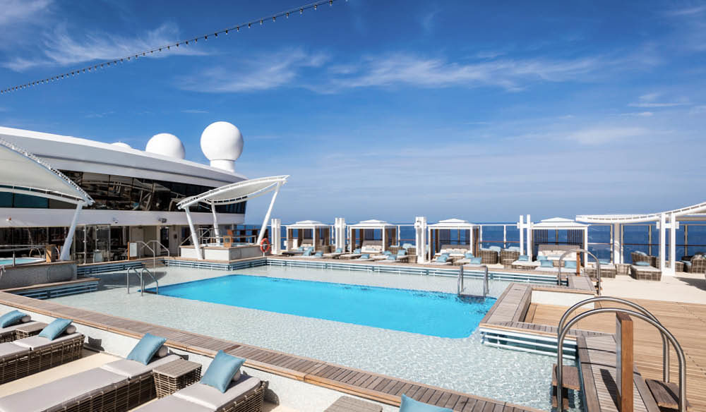 Dream Cruises sun deck