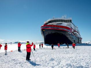 South-MS Roald Amundsen Hurtigruten, Antarctica